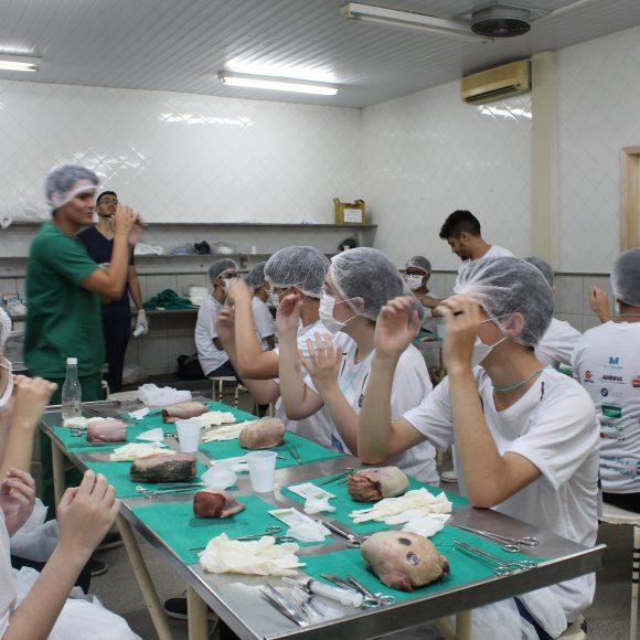 Oficinas Habilidades Médicas 3ª edição conta com apoia da Clínica Gastros